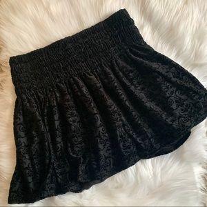 Urban Outfitters💫Black Velvet Skirt